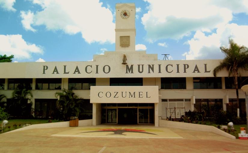 Sí, sí hay el sello de mi padre (+) en Cozumel: PerlaTun