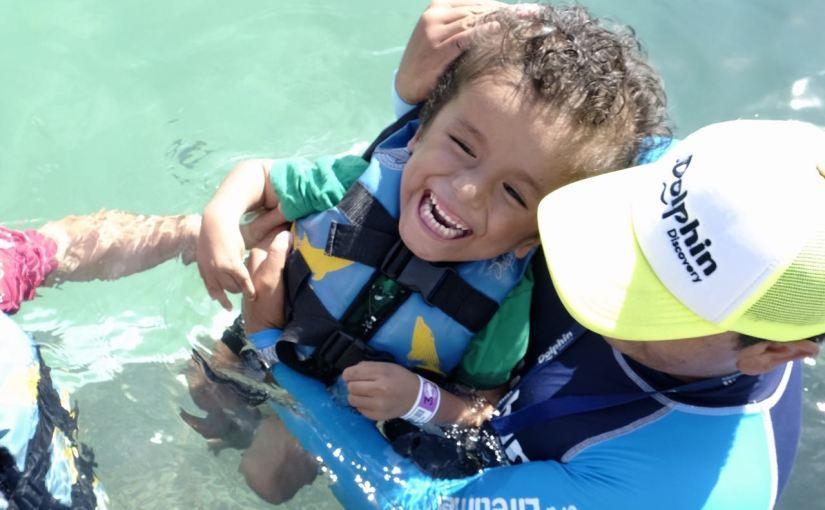 El pequeño Kenay cumplió su sueño de ¡conocer a losdelfines!