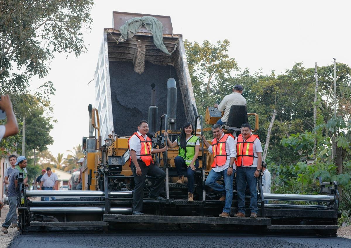 Reporta Laura Fernández importantes avances en Obras en Puerto Morelos