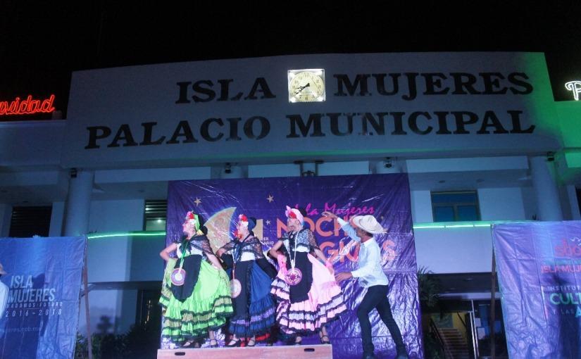 """Se reanudan las noches mágicas de Isla Mujeres con la presentación del ballet folclórico """"FuegoNuevo"""""""