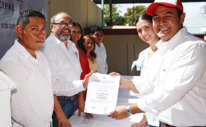 Rinde Juan Carrillo protesta como candidato del PRI a presidencia de IslaMujeres