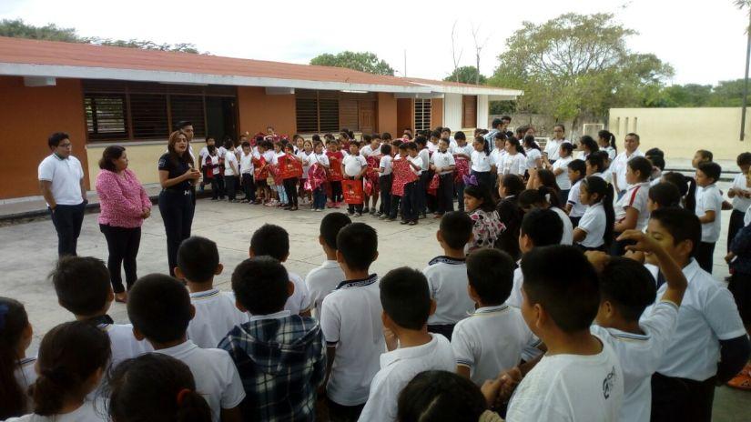 Llevan curso de prevención a niños de Zona Continental de IslaMujeres