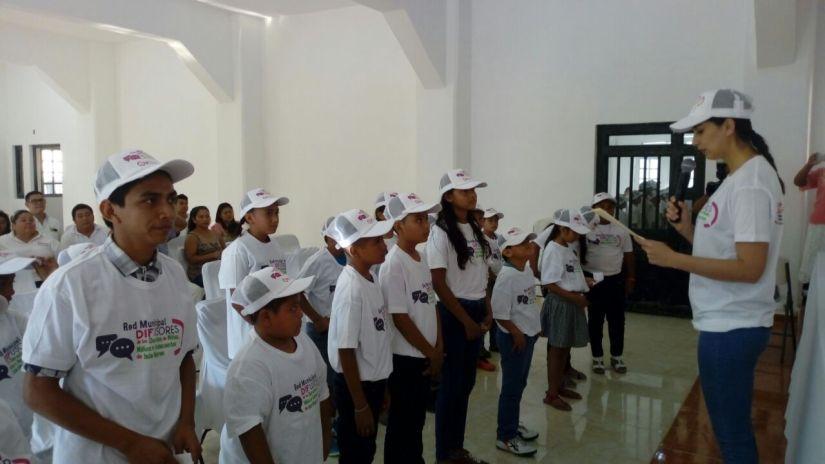 Toman protesta a nuevos integrantes de la Red Difusora de los Derechos de Niños yJóvenes