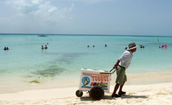 Resultado de imagen para playa norte isla mujeres 2018