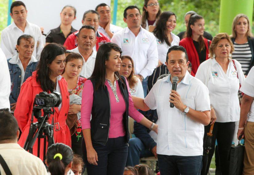 Destaca Laura Fernández suma de esfuerzos para más beneficios a PuertoMorelos